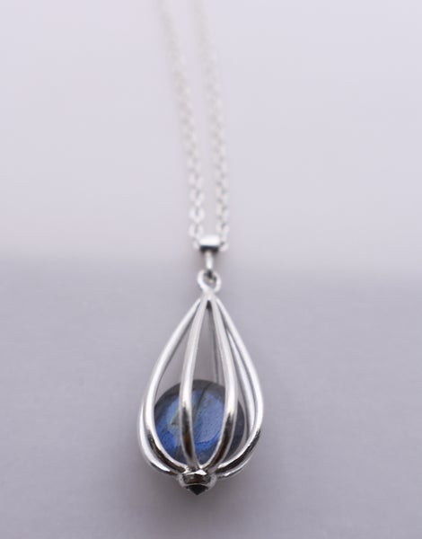 "Image of Medium ""Momento"" Teardrop Pendant Necklace with Labradorite"