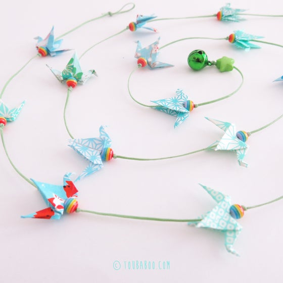 Image of Guirlande origami 16 petites grues menthe et bleues
