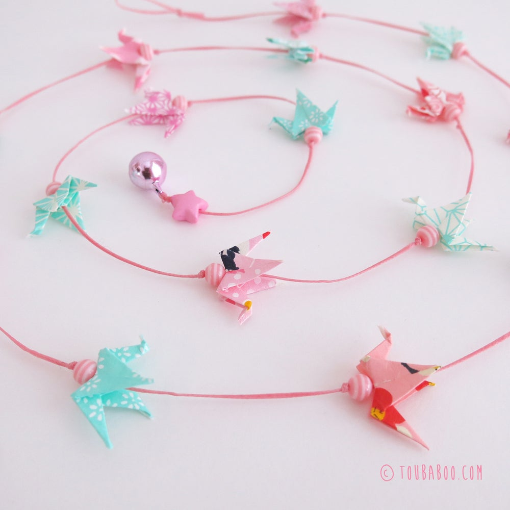 Image of Guirlande origami 16 grues menthe et roses