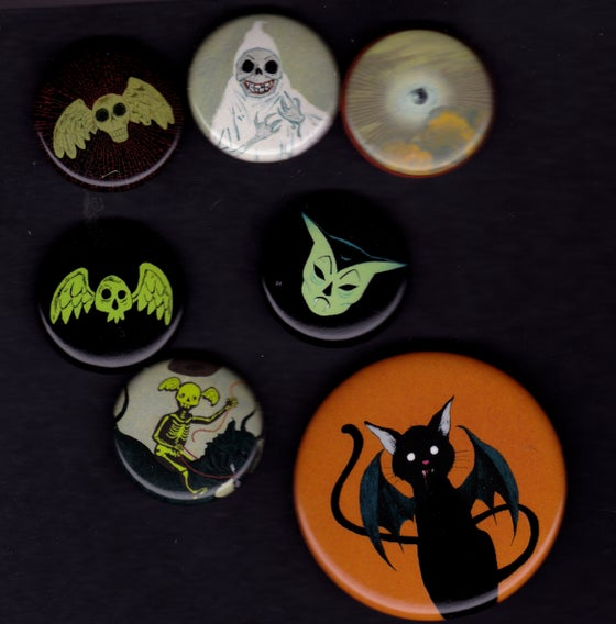 Image of THE HAPPY UNDERTAKER Buttons Set 1