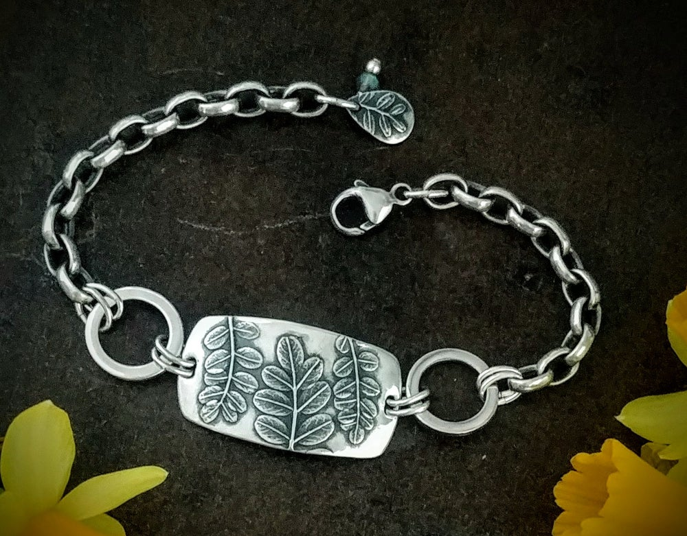 Image of Wildflower Leaves Rolo Bracelet