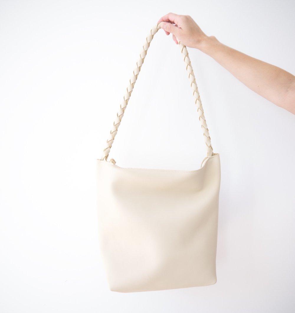 Image of Single Strap Zipper Tote No.1