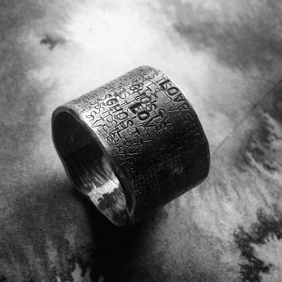 Image of Loves ghosts ring