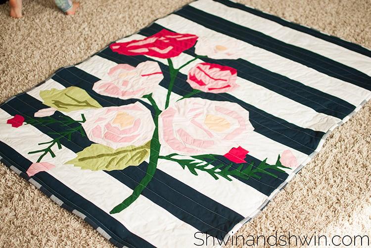 Shwindesigns u floral quilt applique