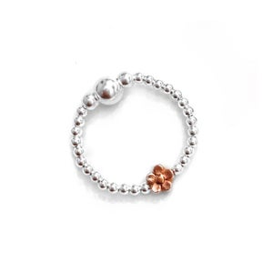 Image of Sterling silver & rose gold flower ring
