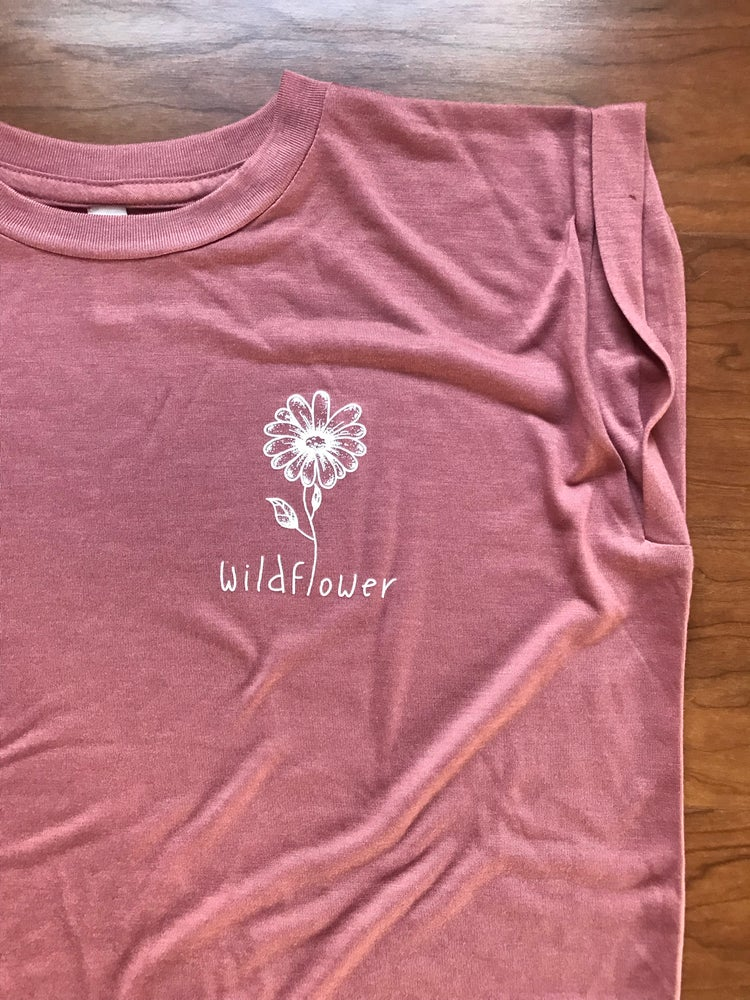 Image of Elmntry - Mauve Wildflower Flowy Muscle T-Shirt