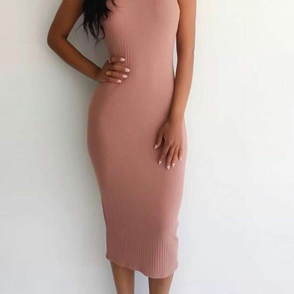 Image of Ribbed midi dress