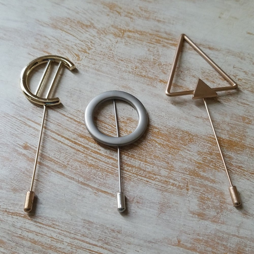 Image of GEOMETRIC BROOCHES
