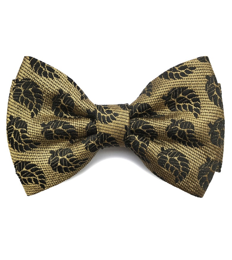 Image of Black and Gold pre-tied bow tie