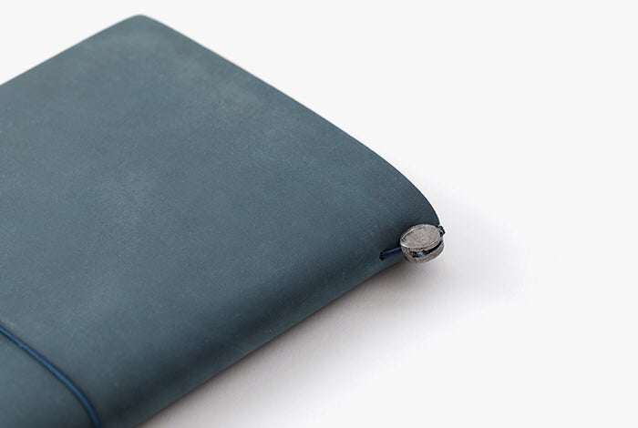 Image of TRAVELER'S Company Blue Regular Traveler's Notebook