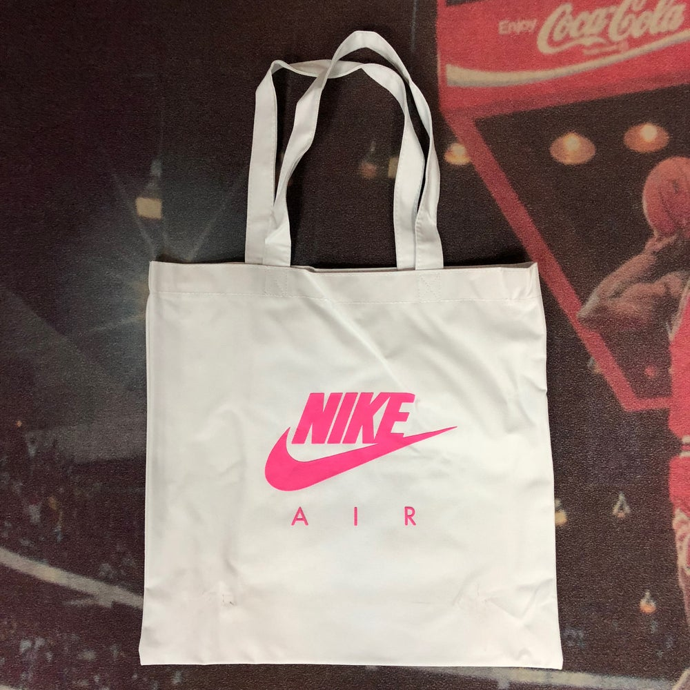 Image of Air Max Day 2018 Accessories