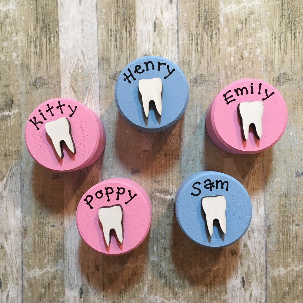 Image of Personalised Tooth box