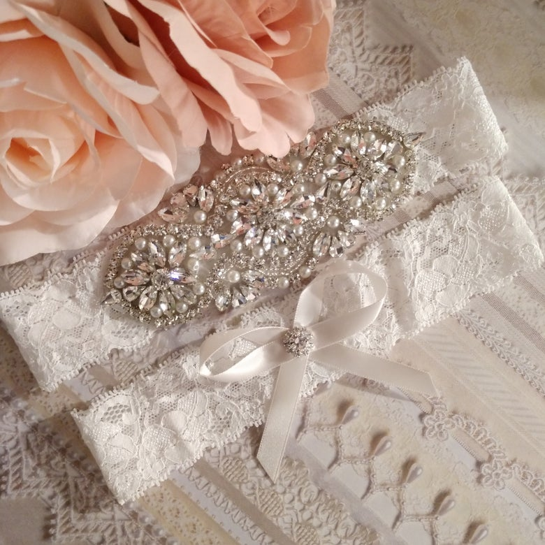 "Image of ""Kelsey"" Bling and Pearl Garter Set"