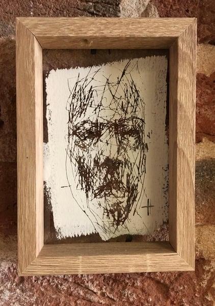 Image of BORONDO | Glass scratch 2