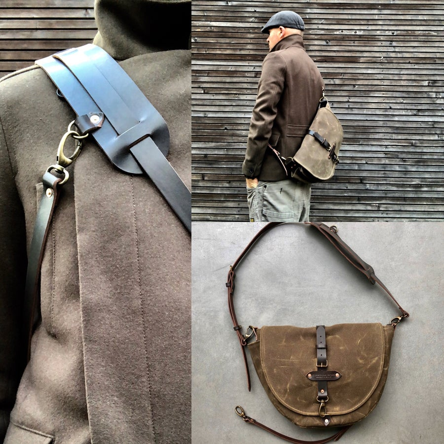 Image of Sling bag / Hunting bag / Satchel in waxed canvas / Musette / messenger bag in waxed canvas UNISEX