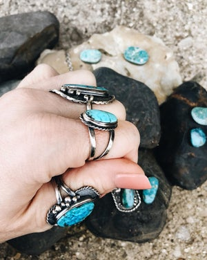 Image of Sterling Silver Kingman Arizona Turquoise Ring, rope boarder bezel