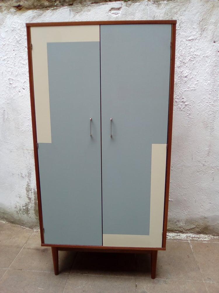 Image of Armoire type vestiaire Vintage