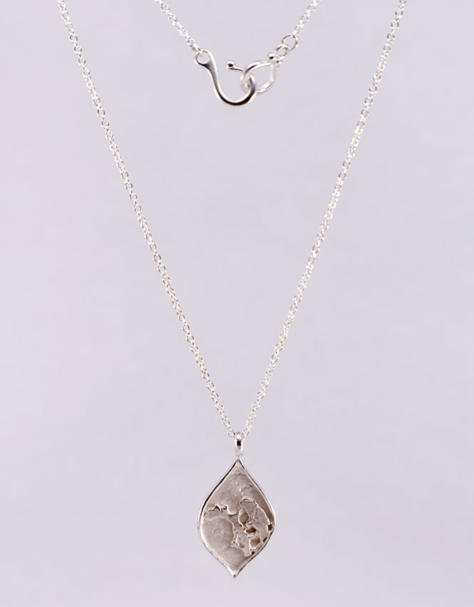 """Image of """"Fragment"""" Arch Drop Pendant Necklace"""