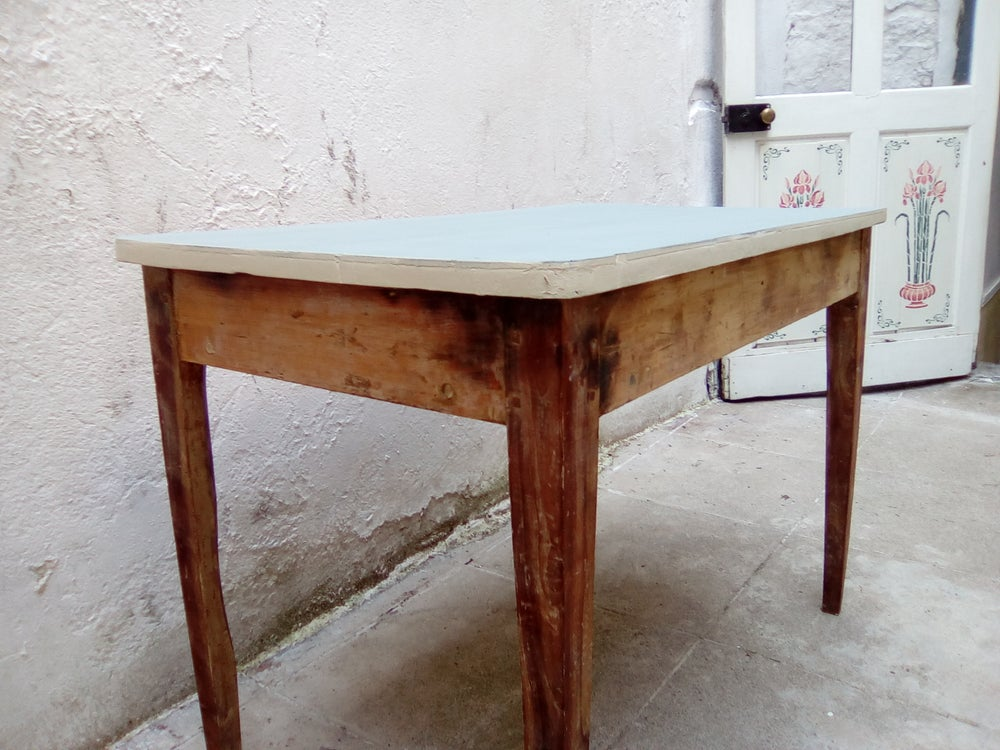Image of Ancienne table de bistro