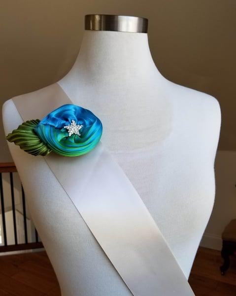 Image of A Mermaid's Treasure Floral Brooch
