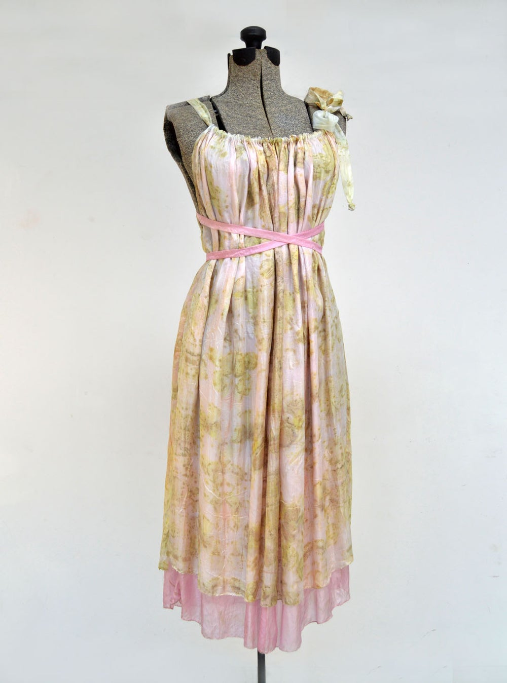 Image of Sweet rose reversible dress