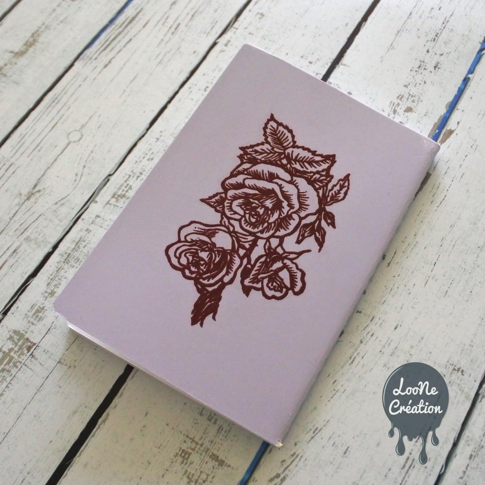 Image of Carnet de Poche embossé motif Roses anciennes