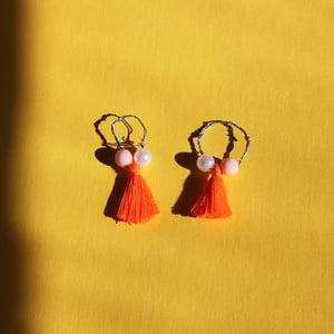 Image of Fanta Finger Tassels