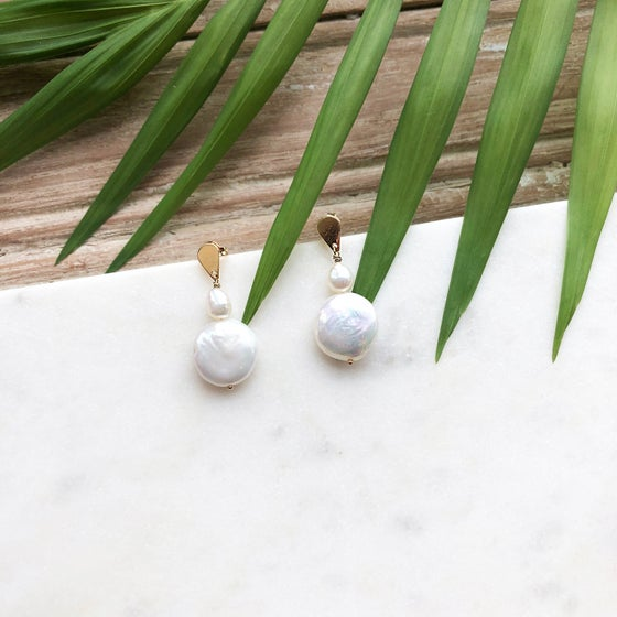 Image of Pearl Earrings