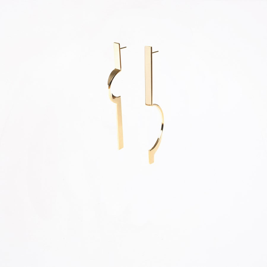 Image of VERMEIL ASYMMETRIC EARRINGS - PARCOURS