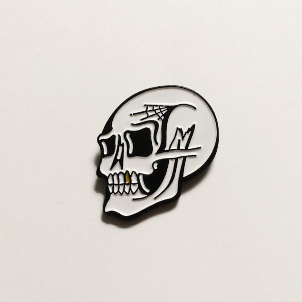 Image of Skull Lapel