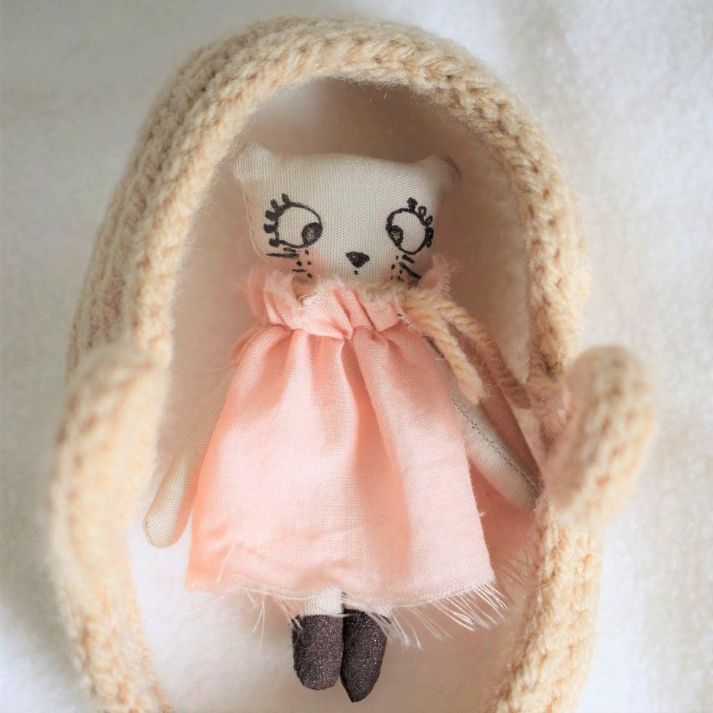 Image of ROSIE ET MARIN - Mini poupée et son couffin