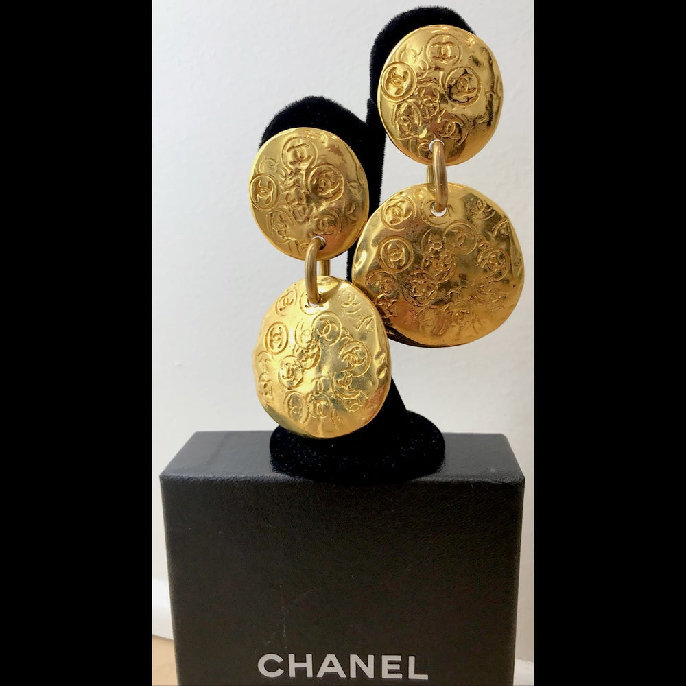 Image of VINTAGE CHANEL GOLDTONE CC ENGRAVED HANGING XL DISK CLIP EARRINGS