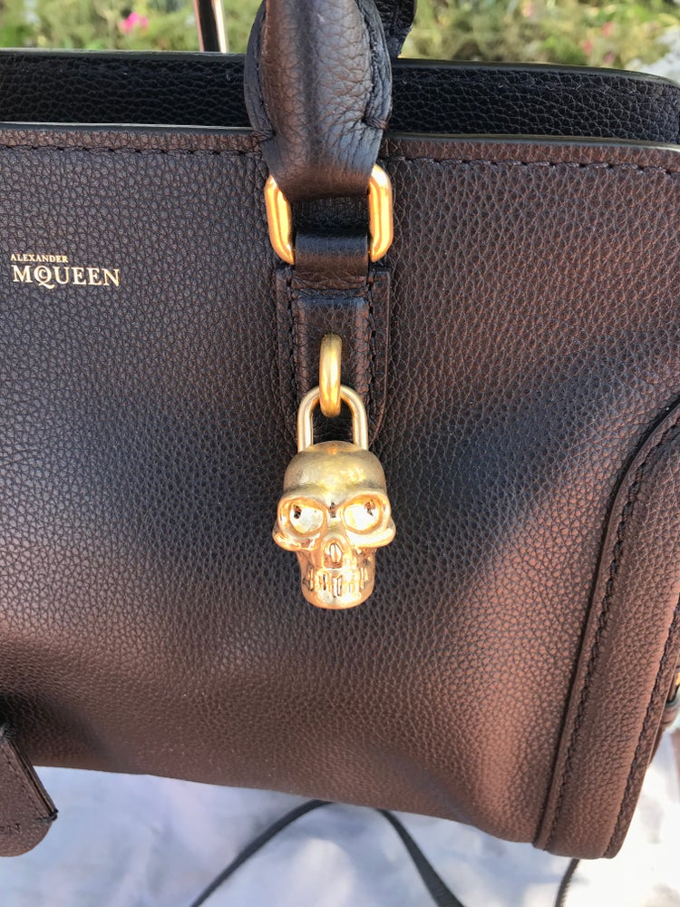 Image of NEW ALEXANDER McQUEEN BLACK LEATHER SKULL LOCK BAG