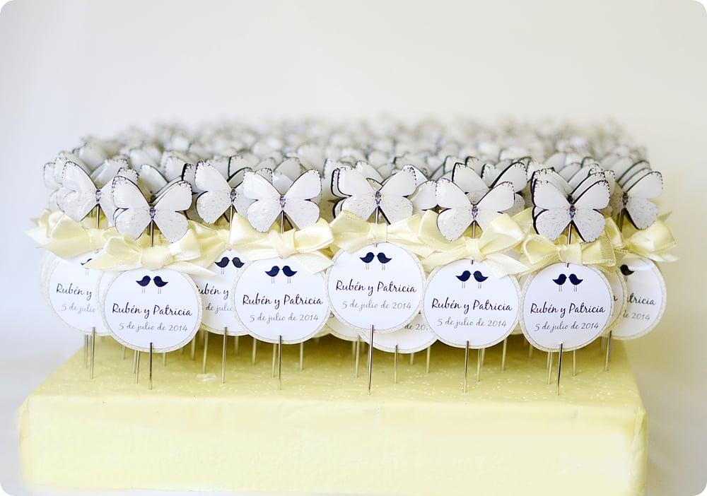 Image of Alfileres mariposas blancas