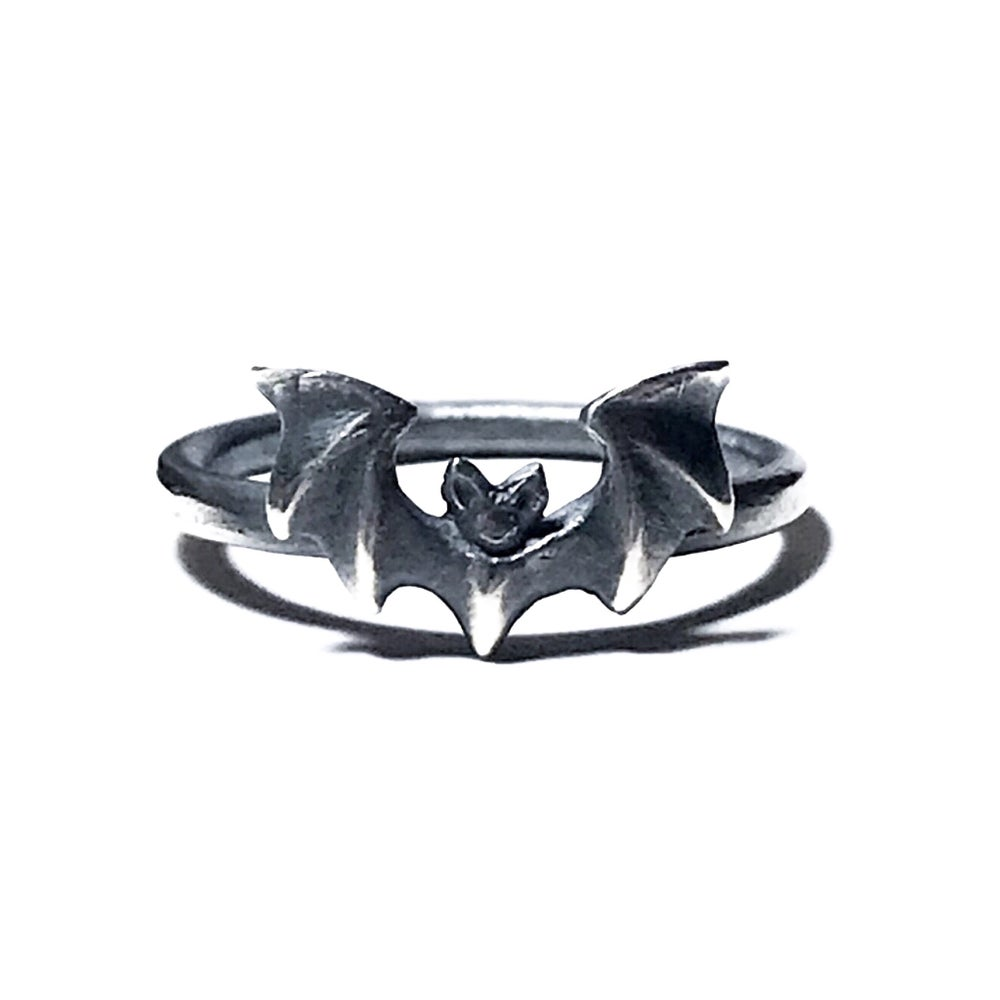 Image of Mini Vampira ring in oxidized sterling silver