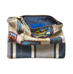 Image of FIRST MATE'S POUCH - MEDIUM