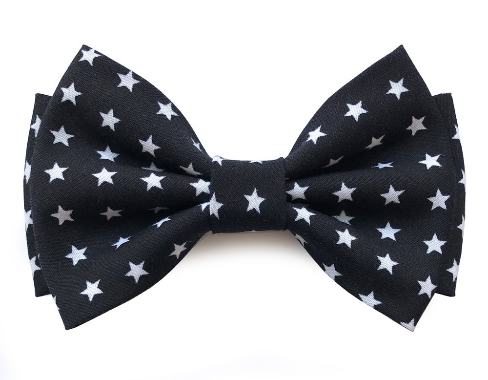 Image of Star pattern pre-tied bow tie