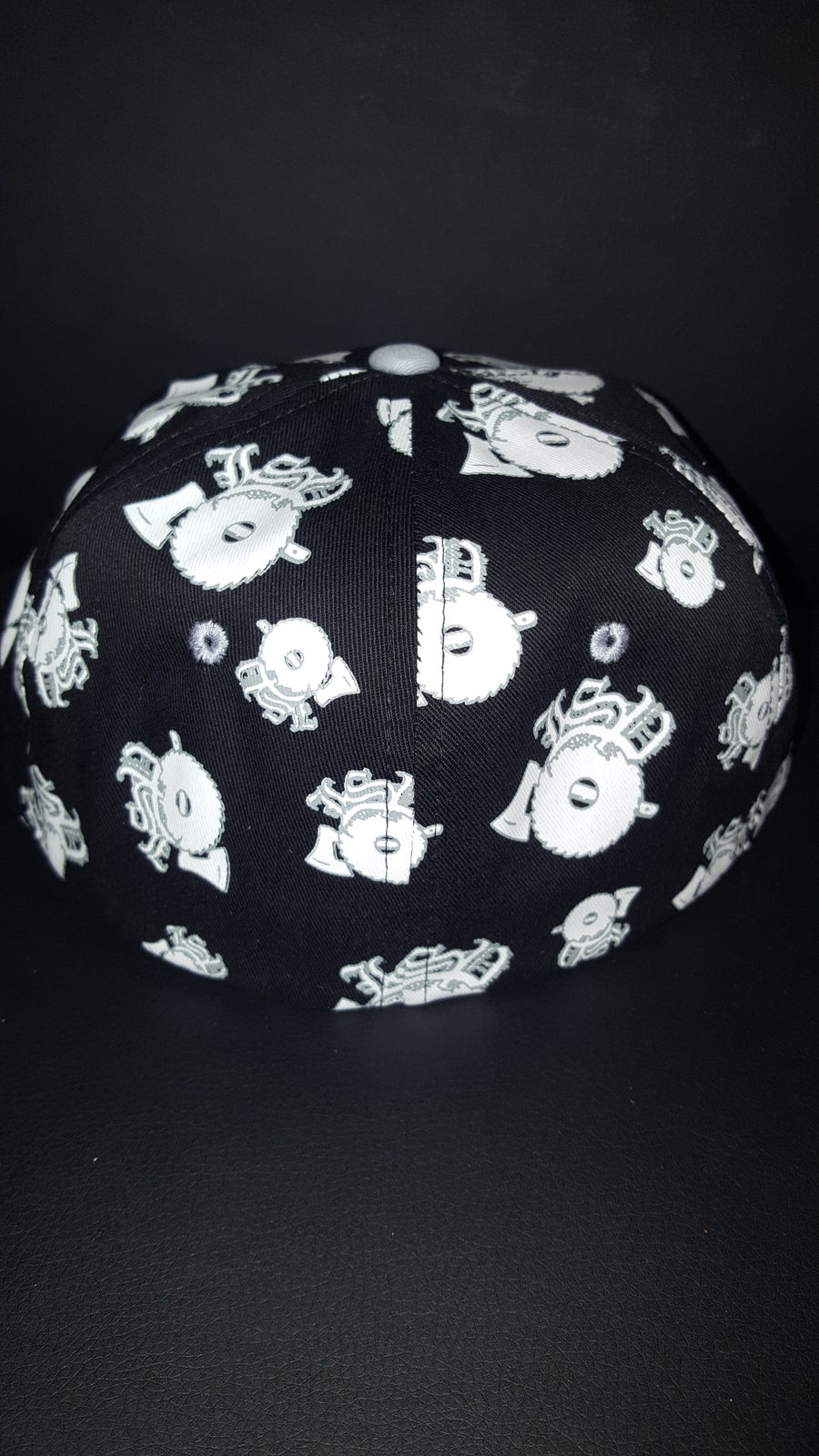 Image of BLACK  WITH  GREY EMBROIDERED LSP  FITTED HAT