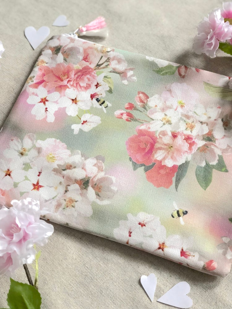 Image of Blossom Bee pouch