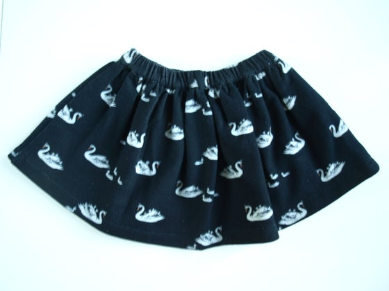 Image of SWAN skirt black