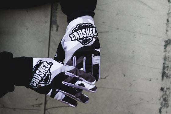 Image of Winter Camo Crushed MX Gloves