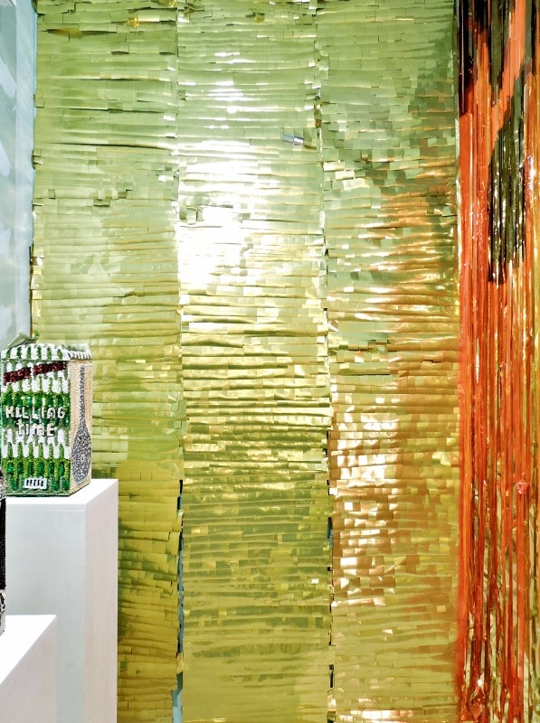 Image of Wallpaper in Mylar - Piñata style