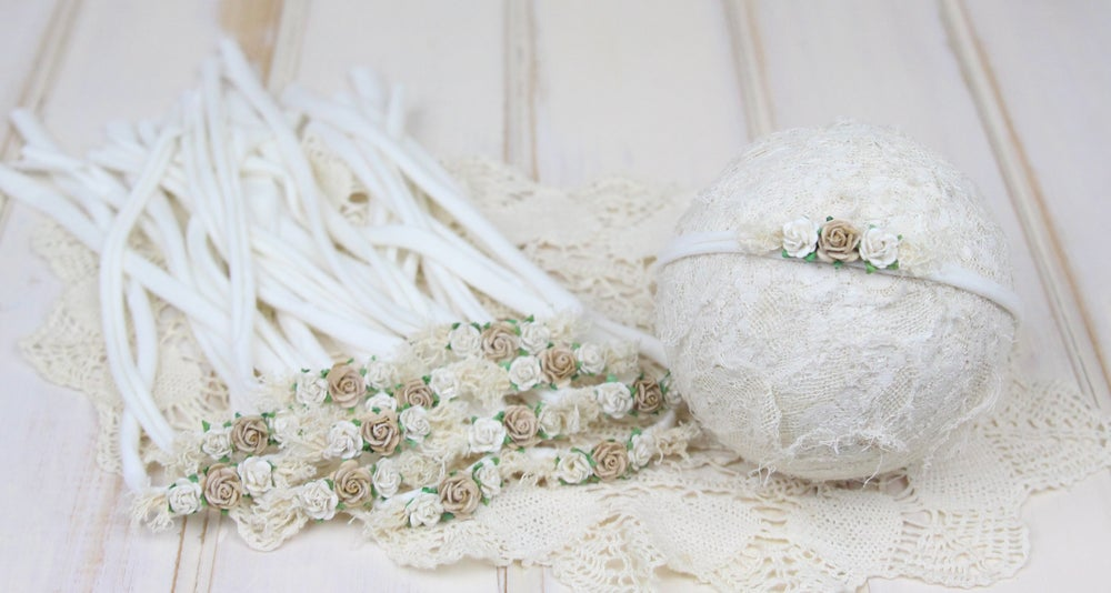Image of Neutral Paper Flowers on Jersey Tieback