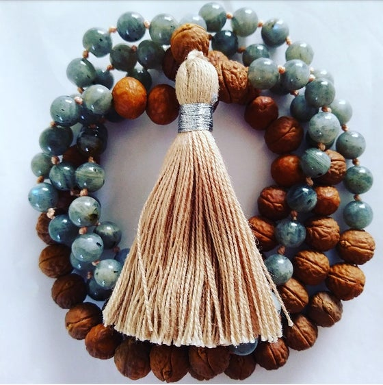 Image of Labradorite and Bodhi seed meditation mala