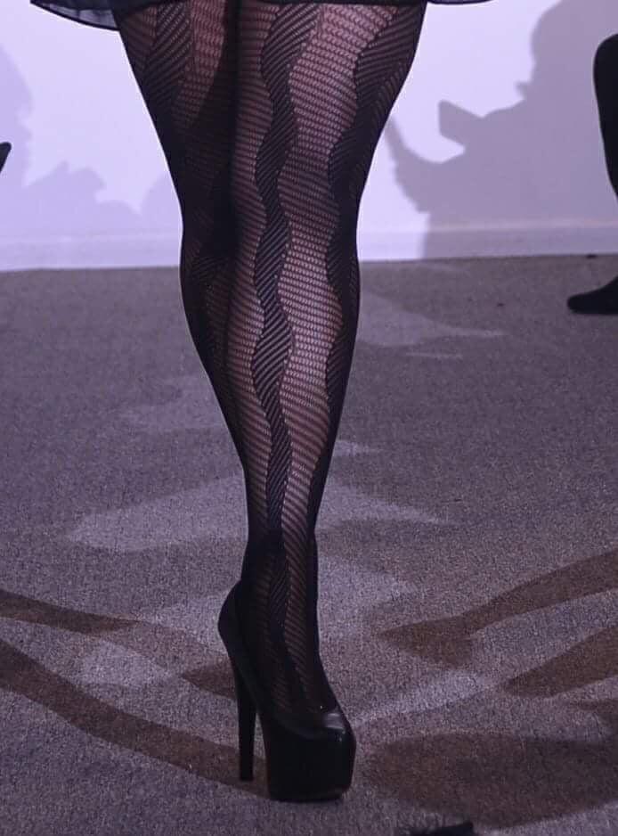 Image of Lexi ~N~ Legs