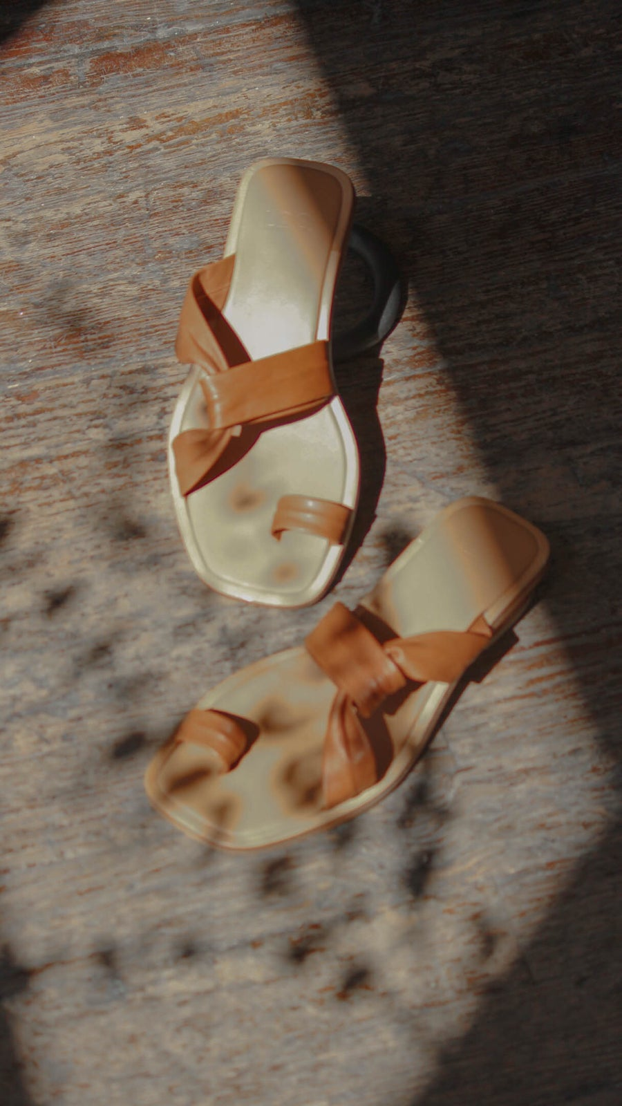 Image of LOQ Pau Sandals