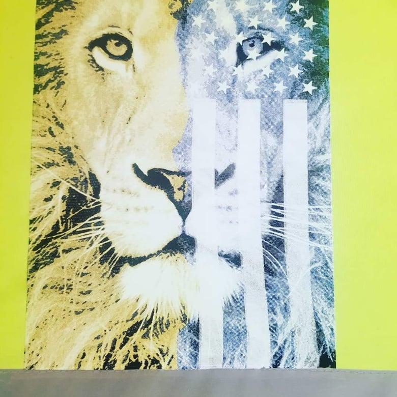 Image of Patriotic Lion lime mesh safety vest