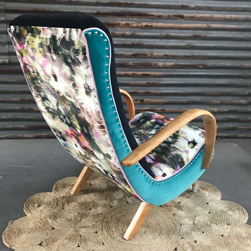 Image of Alicia Sleepy Hollow Chair