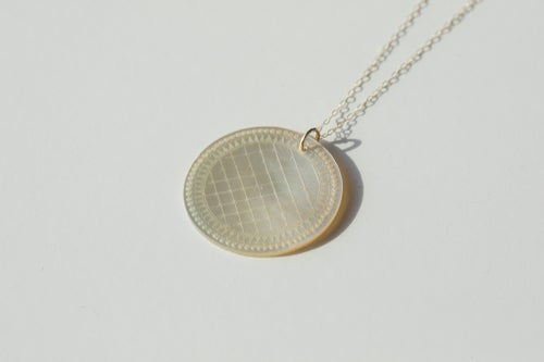 Image of Mother of Pearl Coins