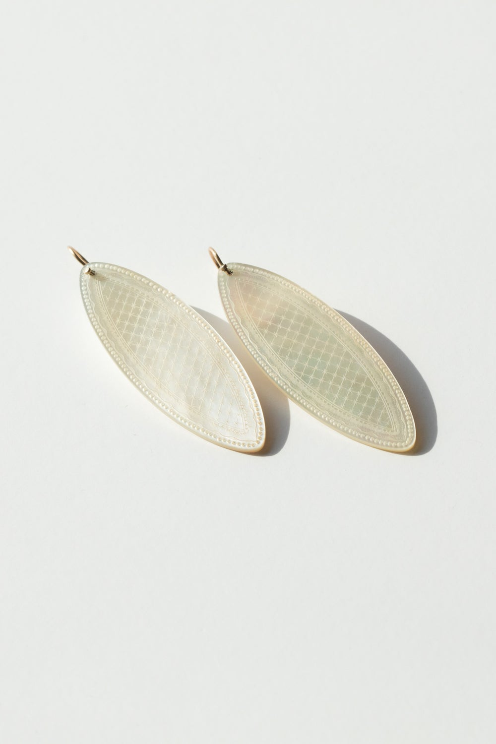 Image of Mother Of Pearl Oval Earrings